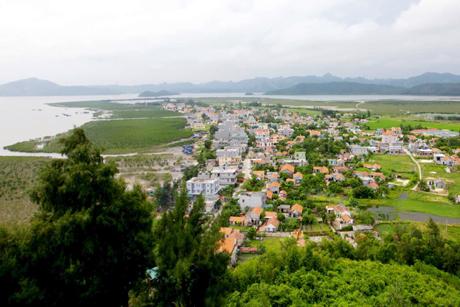Vẻ đẹp khu du lịch Đảo Quan Lạn nhìn từ trên xuống